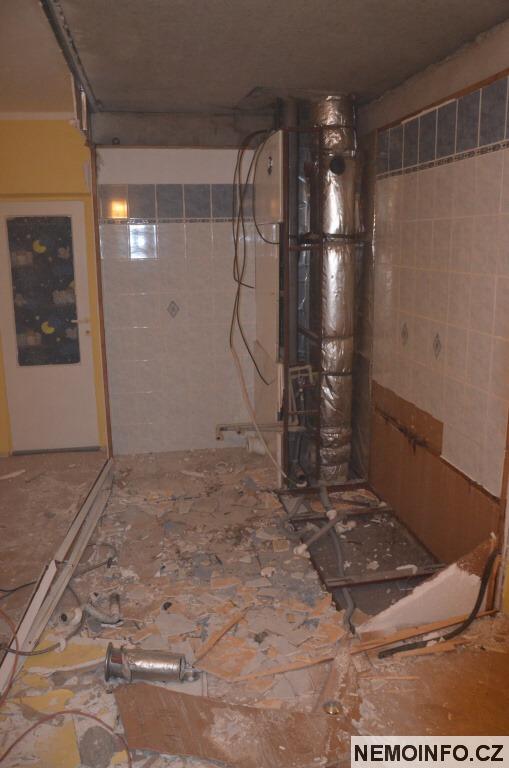 panelákové jádro demolice 18