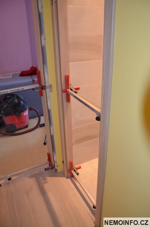 Nové dveře v paneláku 3