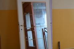Staré dveře v paneláku 2