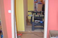 Nové dveře v paneláku 7