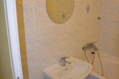 paneláková koupelna obložená sádrokartonem stav 2016 - 07