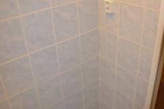 paneláková koupelna obložená sádrokartonem stav 2016 - 09