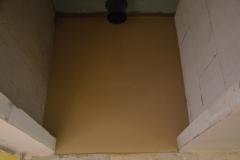 Vylitá podlaha na wc