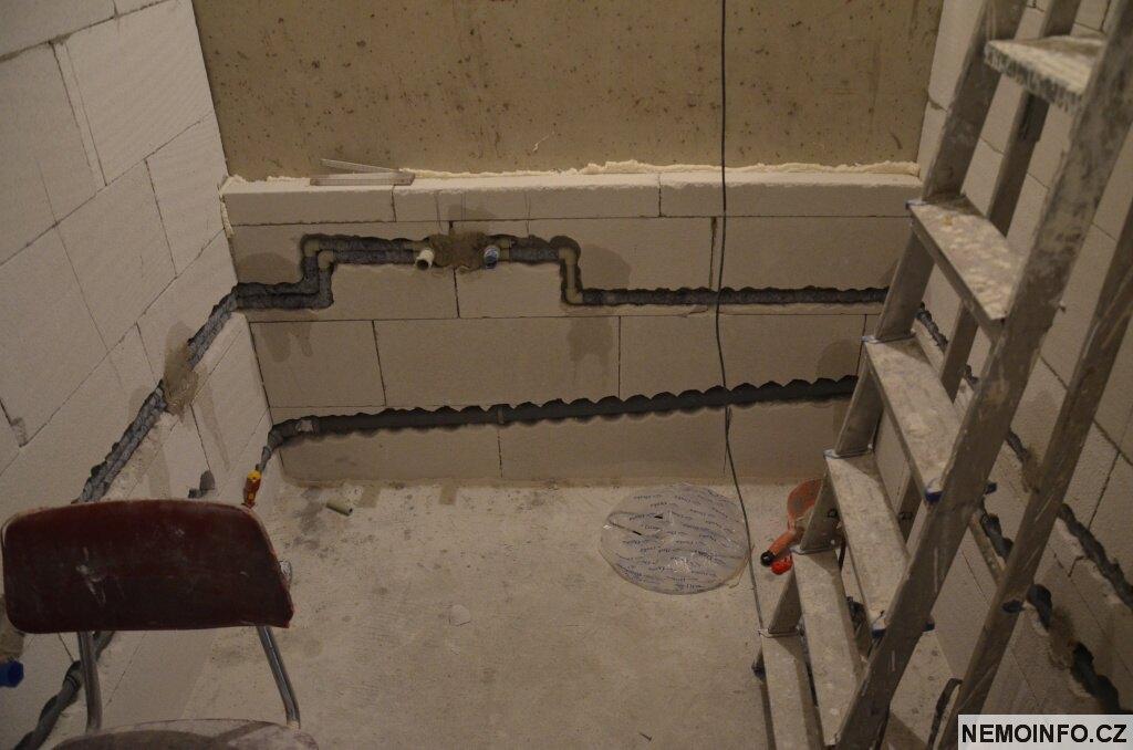 Rekonstrukce koupelny - rozvody vody 5