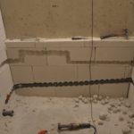 Rozvod vody a elektriky v koupelně a v bytě